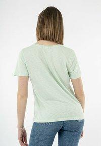 Superdry - Basic T-shirt - vert - 2
