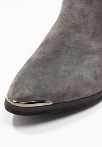 Anna Field Select - LEATHER ANKLE BOOTS - Ankle boots - grey - 2