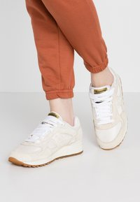 Saucony - SHADOW VINTAGE - Trainers - tan/white - 0