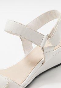 Vagabond - NELLIE - Wedge sandals - white - 2