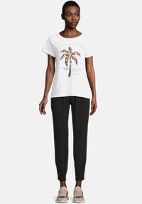 Cartoon - CASUAL SHIRT MIT RUNDHALSAUSSCHNITT - Print T-shirt - white/copper - 1