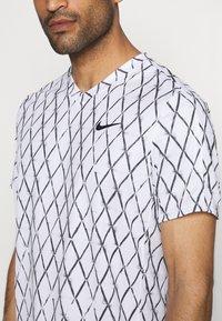 Nike Performance - Print T-shirt - white/black - 4