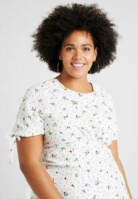 Fashion Union Plus - FASHION UNION MIDI DRESS WITH SLEEVE TIES - Day dress - white - 3