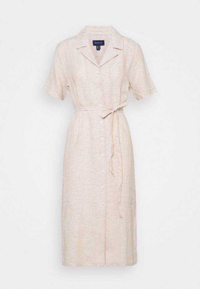 SHIRT DRESS - Sukienka koszulowa - dry sand