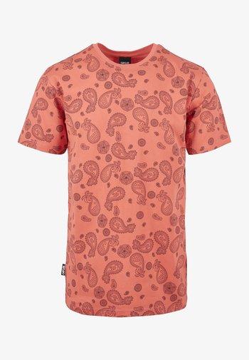 CALI PAIZ TEE - Print T-shirt - coral/mc