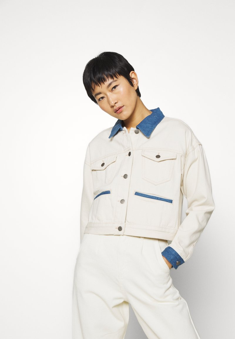 JUST FEMALE - SIKA JACKET - Giacca di jeans - off white
