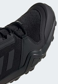 adidas Performance - TERREX AX3 HIKING SHOES - Hikingsko - black - 6