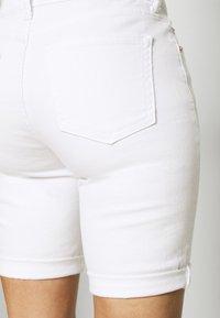 GAP - Denim shorts - optic white - 5