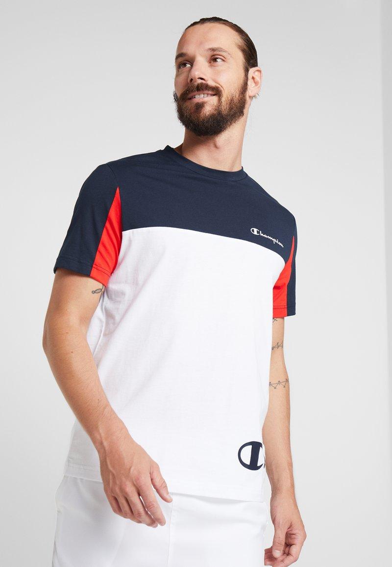 Champion - CREWNECK - Print T-shirt - white