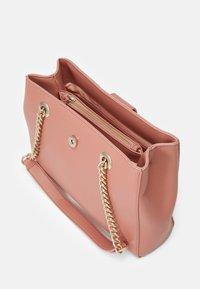 Valentino Bags - DIVINA - Handbag - rosa antico - 2