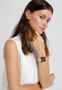 Casio - COLLECTION RETRO - Digital watch - silver-coloured - 1