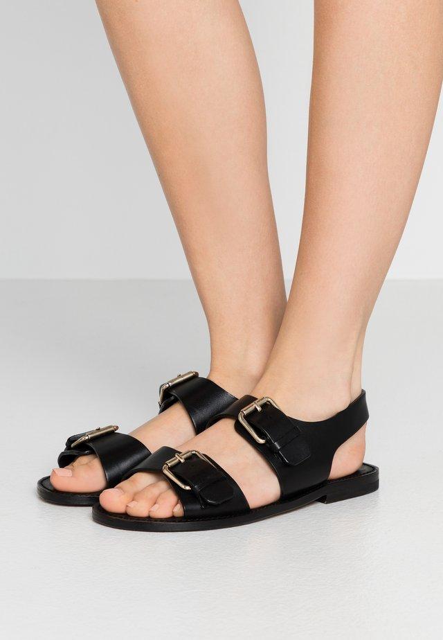LOIS - Sandaalit nilkkaremmillä - black