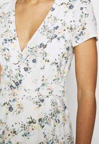 Abercrombie & Fitch - RUFFLE WRAP DRESS  - Kjole - white - 3