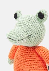 Walkiddy - SPIELZEUG KROKODIL - Cuddly toy - green - 2