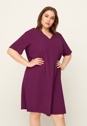 JHELLE - Shirt dress - purple