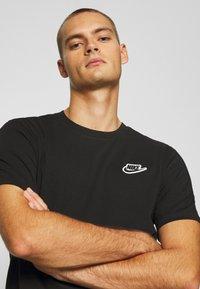 Nike Sportswear - NEW MODERN TEE - T-shirts basic - black - 4
