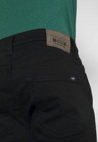 Mustang - VEGAS - Slim fit jeans - black denim - 4
