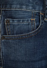 GAP - BOYS BOTTOMS - Straight leg jeans - medium wash - 3