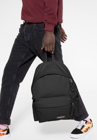 Eastpak - PADDED PAK'R/CORE COLORS - Plecak - black - 2
