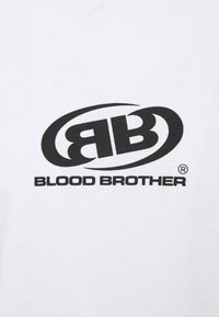 Blood Brother - WHARVES BRANDED LOGO UNISEX - Triko spotiskem - white - 2
