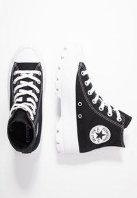 Converse - CHUCK TAYLOR ALL STAR LUGGED - High-top trainers - black/white - 5