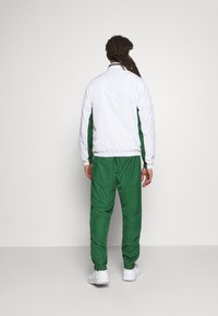 Lacoste Sport - SET TENNIS TRACKSUIT HOODED - Dres - white/green - 2