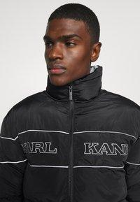 Karl Kani - RETRO REVERSIBLE PUFFER JACKET - Winter jacket - black - 4