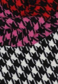 Zwillingsherz - MILLA  - Scarf - schwarz pink - 2