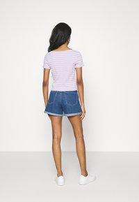 ONLY - ONLVEGA LIFE MOM - Denim shorts - medium blue denim - 2