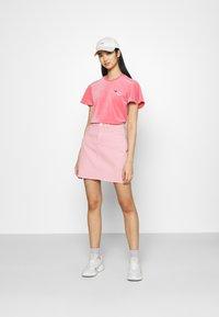 adidas Originals - Print T-shirt - hazy rose - 1