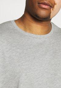 Pier One - 5 PACK - Basic T-shirt - khaki/grey/dark blue - 5