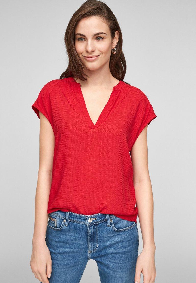 s.Oliver - KURZARM - T-shirt imprimé - red