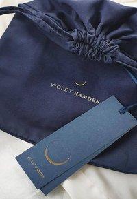 Violet Hamden - HAMDEN  - Étui à portable - schwarz - 8