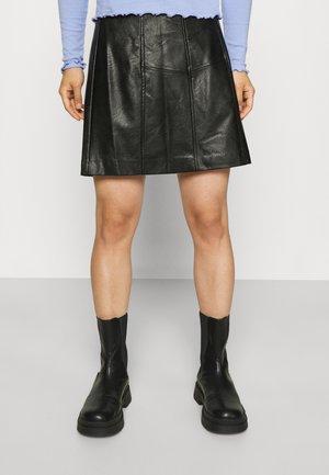 PCFRANIA SKIRT - Mini skirt - black