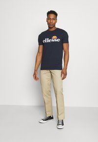 Ellesse - HAREBA - Print T-shirt - navy - 1