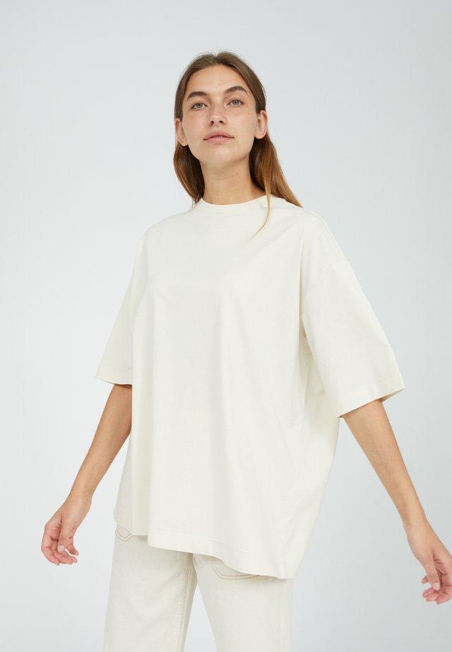 LAURAA UNDYED - T-shirt basic - undyed