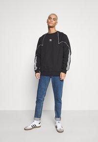 adidas Originals - CREW - Sweatshirt - black/white - 1