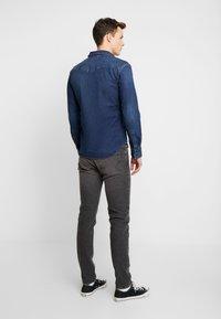 Levi's® - BARSTOW WESTERN SLIM - Košile - dark worn - 2