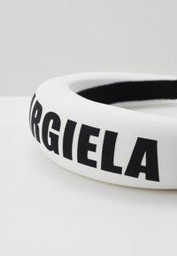 MM6 Maison Margiela - Hair Styling Accessory - white - 2
