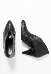 Dorothy Perkins - ADMIRE UPDATE - Kotníková obuv - black - 3
