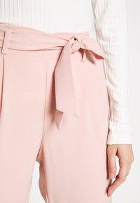 ONLY - ONLLAYLA RUNA LIFE SOLID PANT  - Pantalones - misty rose - 3