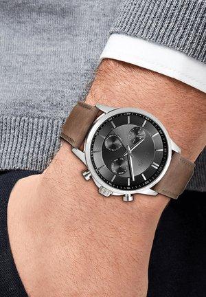 Chronograph watch - braun