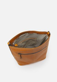 FREDsBRUDER - CAPTAIN - Handbag - dark honey - 2