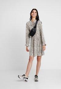 Vero Moda - VMAFIA BOW DRESS - Day dress - pistachio shell - 1