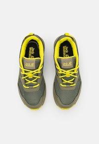 Jack Wolfskin - WOODLAND LOW UNISEX - Hiking shoes - khaki/green - 3