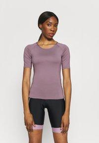 ONLY Play - ONPPERFORMANCE BIKE - T-Shirt print - elderberry - 0
