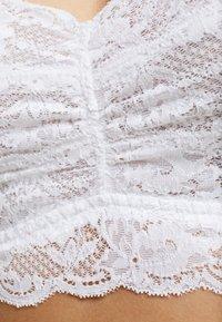 Cosabella - NEVER SAY NEVER PLUS SWEETIE BRALETTE - Biustonosz bustier - white - 5