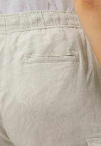 BRAX - STYLE MAREEN - Cargo trousers - light beige - 3