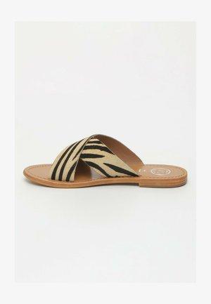 Mules - black striped
