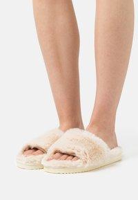 flip*flop - SLIDE - Slippers - soft beige - 0